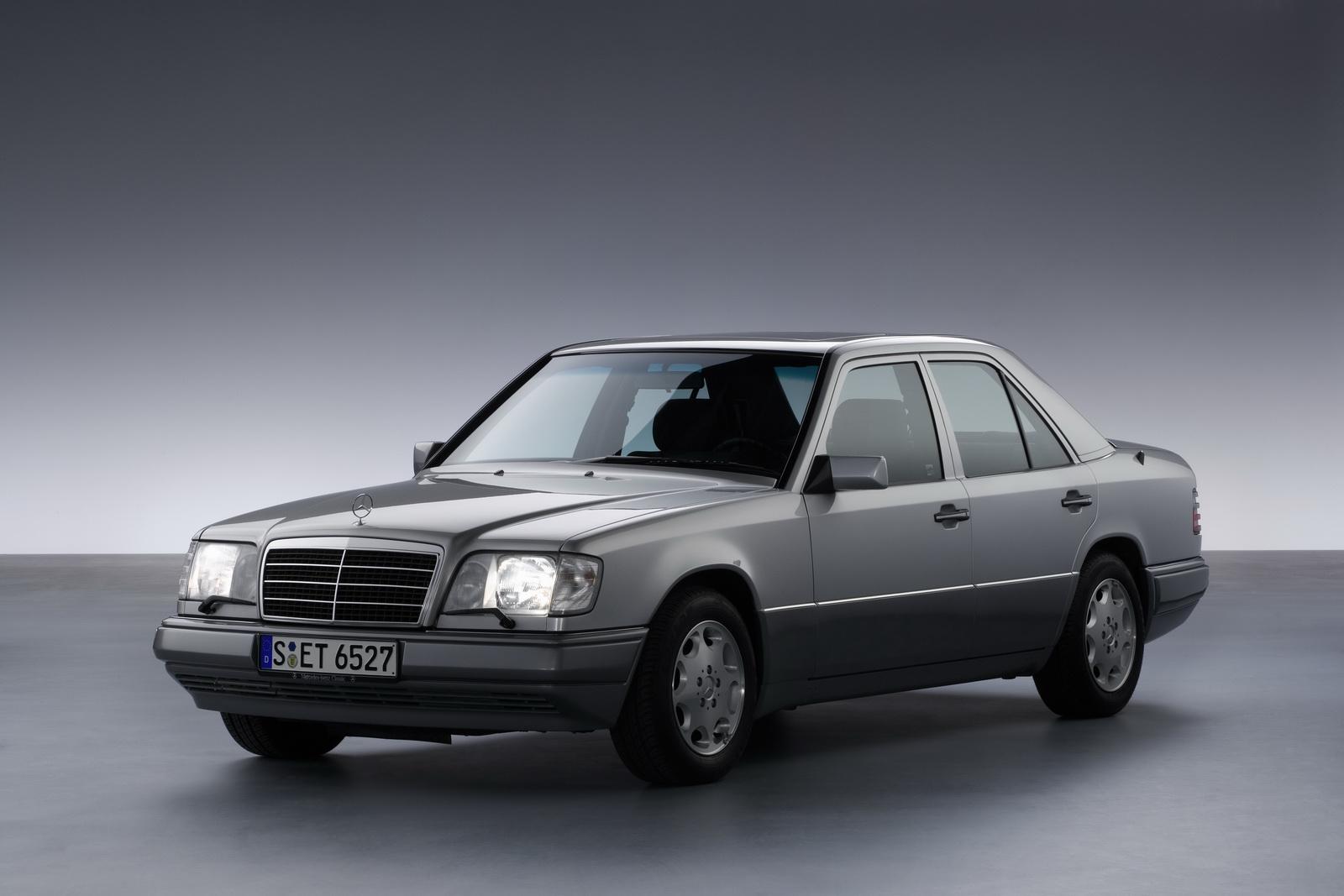 MERCEDES E-Class W124
