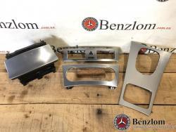 Накладки центральной консоли комплект (aкпп рестайл) для Mercedes W203\25